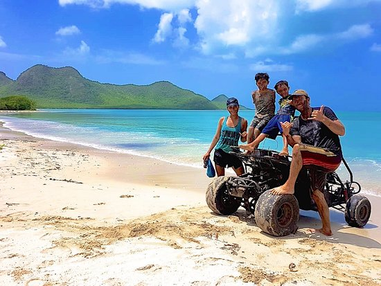 Jennings, Antigua: Five Islands Harbor Beach