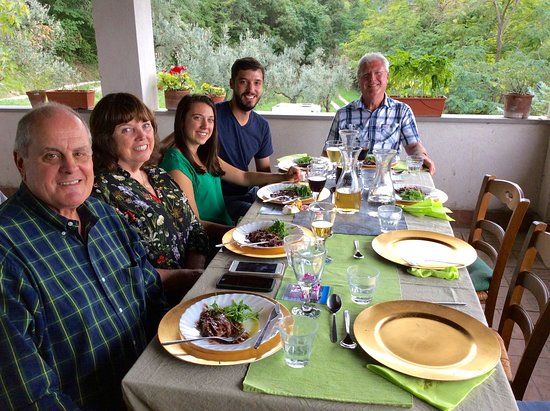 Toffia, Italy: Enjoying the 3 courses we prepared
