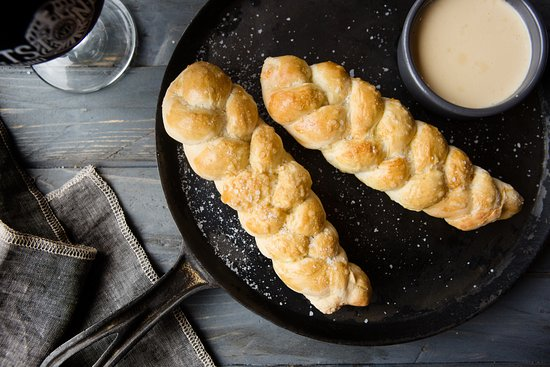 Whetstone Station Restaurant and Brewery: Whetstone Pub Pretzels with Cheese dipping sauce