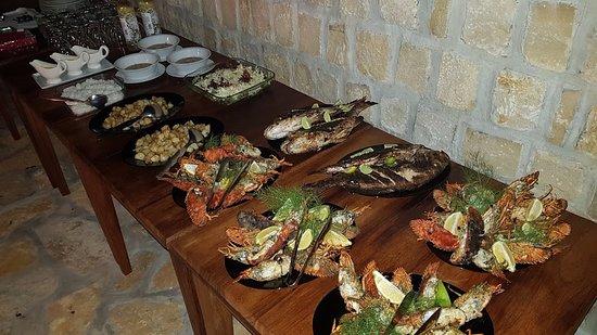 Toliara Province, Μαδαγασκάρη: Soirée barbecue aux fruits de mer