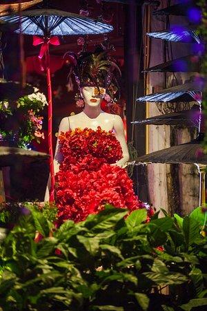 Hot Chilli : #Thaifood  #Thairestaurant  #HotChillirestaurant  #Chiangmairestaurant #Sundaywalkingstr