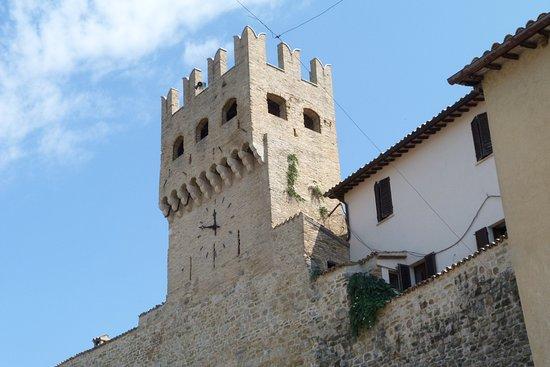 Montefalco, Italia: Scorcio della porta