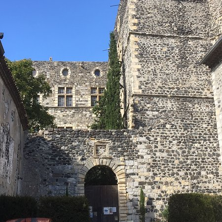 Alba-la-Romaine, ฝรั่งเศส: photo0.jpg