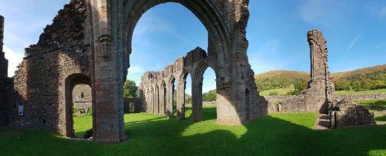 Llanthony Priory ภาพถ่าย