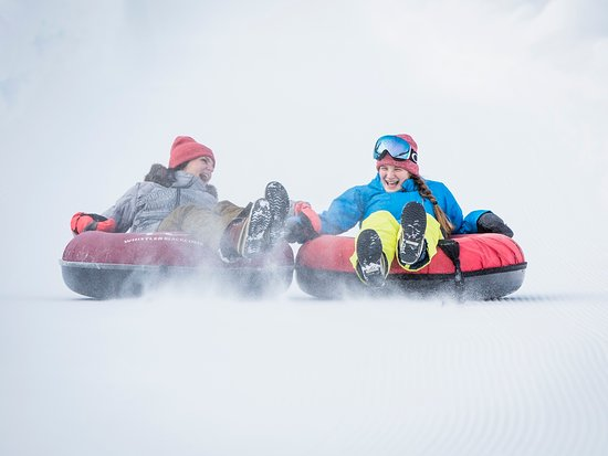 Whistler, Canadá: Tubing in the Winter. Photo by: Justa Jeskova