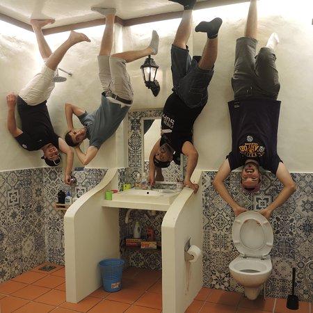 Upside Down Museum : photo0.jpg