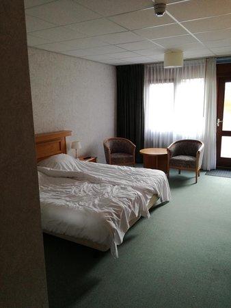 Dwingeloo, Países Baixos: kamer is proper maar wel verouderd