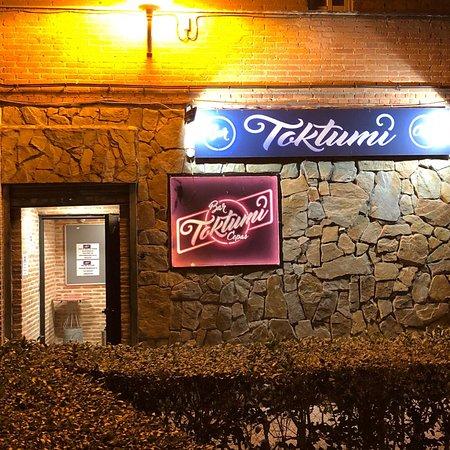 Bar de copas Toktumi