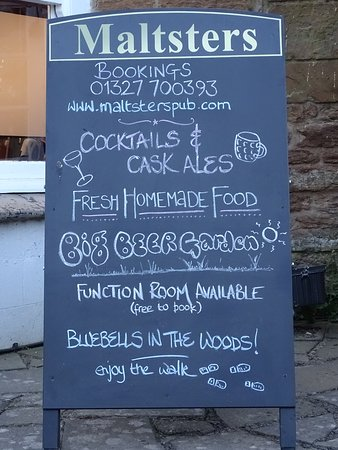 Badby, UK: Updated photos soon. Chalkboard gives you an idea of what we do!