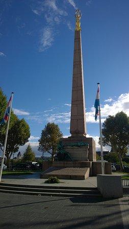 Monument du Souvenir - 'Gëlle Fra'