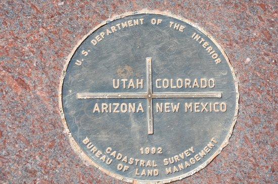 Teec Nos Pos, Arizona: Four Corners Monument