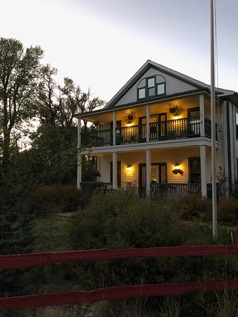 Elk Mountain, WY: the hotel