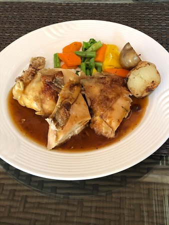 Thiksey, Indien: Chicken Roast with Rosemary Jus