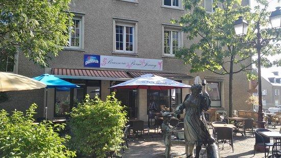 Ettelbruck, ลักเซมเบิร์ก: Eis Terasse - Unsere Terasse - Notre térasse