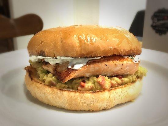 Prosecco, Italia: Salmon burger