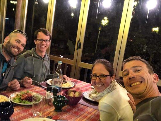 Lumino, สวิตเซอร์แลนด์: Loremz (links) mit Luca und ich mit meiner Freundin