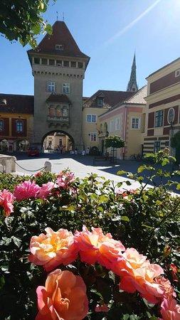 Koszeg, Hongaria: ein Spaziergang um den kleinen Platz