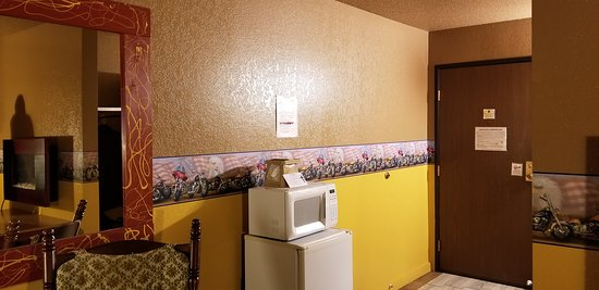Jackson, MN: We were pleased to see both a microwave and a mini-fridge.