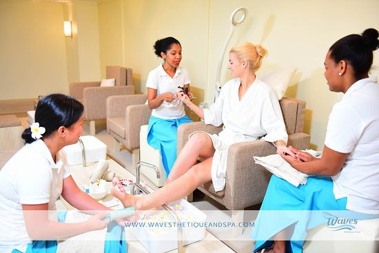 Waves Esthetique & Spa