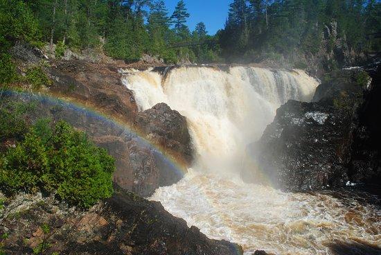 Fort Coulonge, Kanada: The falls
