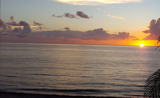 Highland Beach, FL: Photo from outside seating area at sunrise