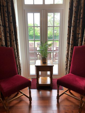 Burghfield, UK: Room 10 - executive en - suite with wet room. Ground floor, garden access