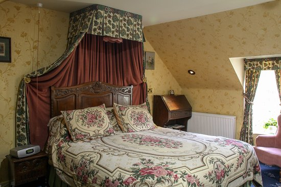 Strathyre, UK: Larch - First floor king-size double room with en-suite