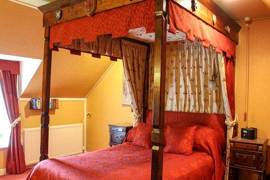 Strathyre, UK: Oak - First floor double 'four-poster' room with en-suite