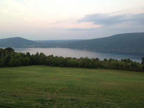 Finger Lakes Wine Country: The fingerlakes are beautiful