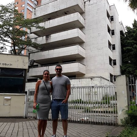 Pro Kontra Diruntuhkannya Kediaman Pablo Escobar: Pejabat Cemas Anak-anak Ingin Menjadi Escobar
