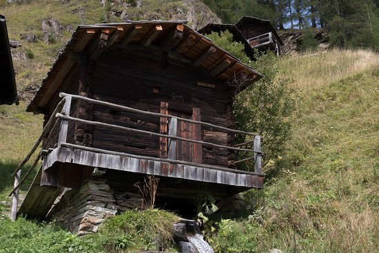 Apriacher Stockmühlen hoch über Heiligenblut