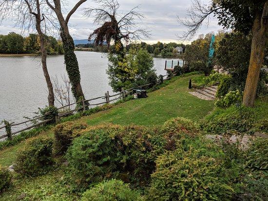 Saint Marc sur Richelieu, Kanada: 20180930_Patio view of Richlieu River