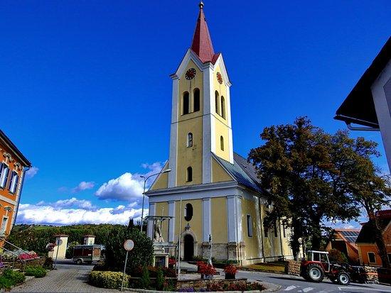 Katholische Pfarrkirche zum Heiligen Nikolaus