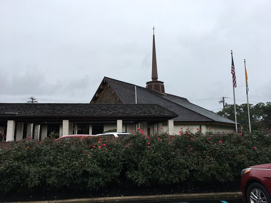 Absecon, NJ: Church of St Elizabeth Ann Seton exterior