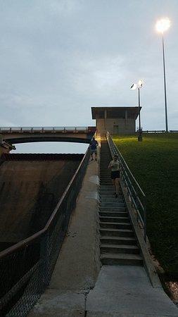 Love the Dam Area!