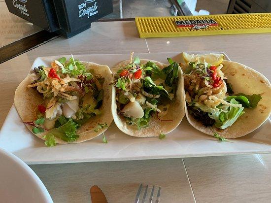 La Cambija: Fish Tacos