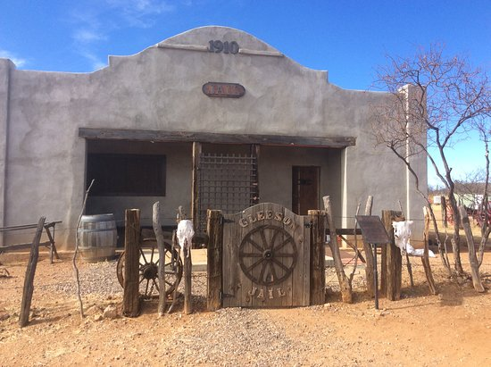 Tombstone, AZ: We would have never seen or learned about Gleason without our guide!