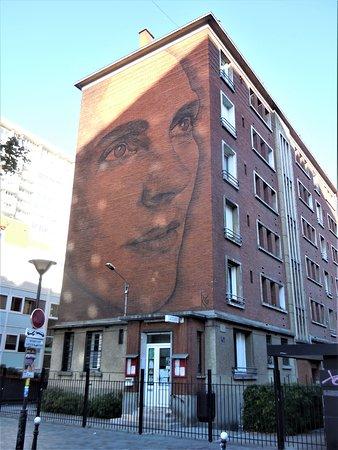 Fresque Jeune Femme