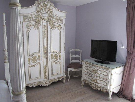 Kast En Tv Nooit Aangezet Picture Of Chateau De Cavanac