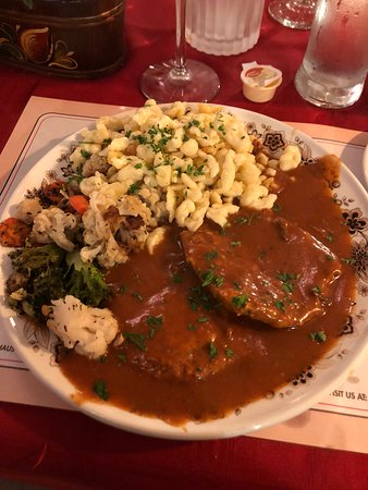 Black Forest Inn: Generous portions but bland food