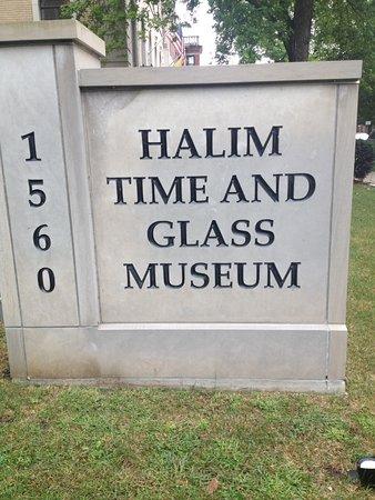 Halim Time & Glass Museum: Entrance