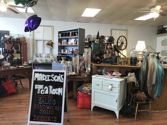 Wood River, IL: Shop