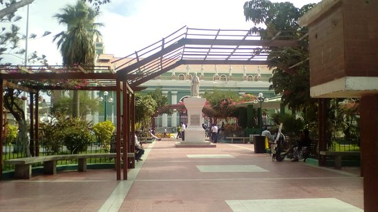 Catacaos, เปรู: Linda vista de la Plaza de Armas