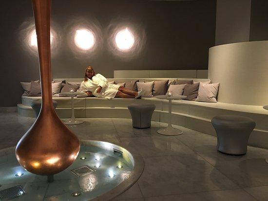 Agua Bathhouse and Spa at Mondrian