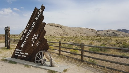 Alcova, WY: Independence Rock