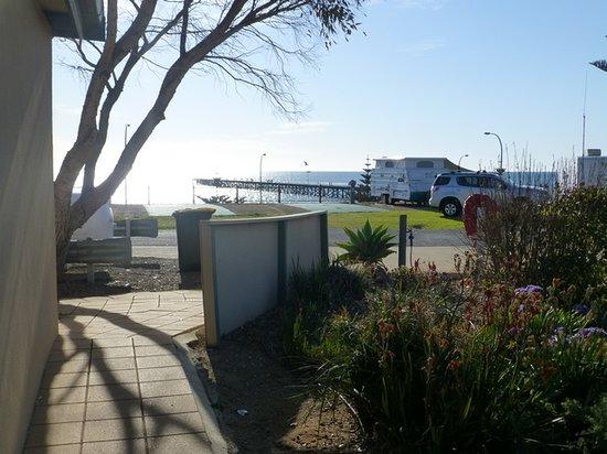 Port Hughes, Austrália: View from the amenities camp kitchen