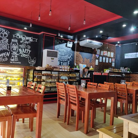 Camarines Sur Province, الفلبين: Benitta & Flora's Bistro Cafe