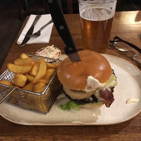 Goosnargh, UK: Bacon cheese burger