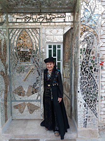 Mirror House: 20181002_172740_large.jpg