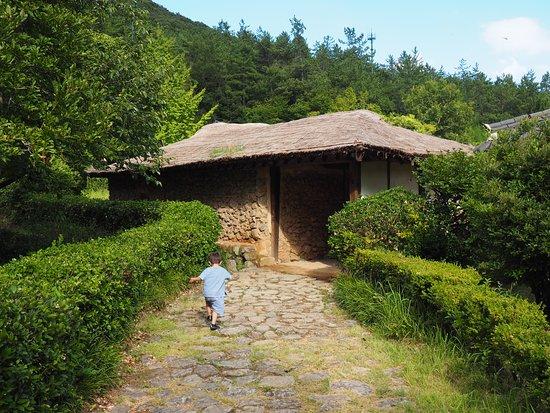 Jindo-gun, Νότια Κορέα: Photo of a building on the site